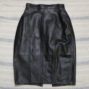 Vintage DEJA VU DESIGNS Blk Leather Pencil Skirt